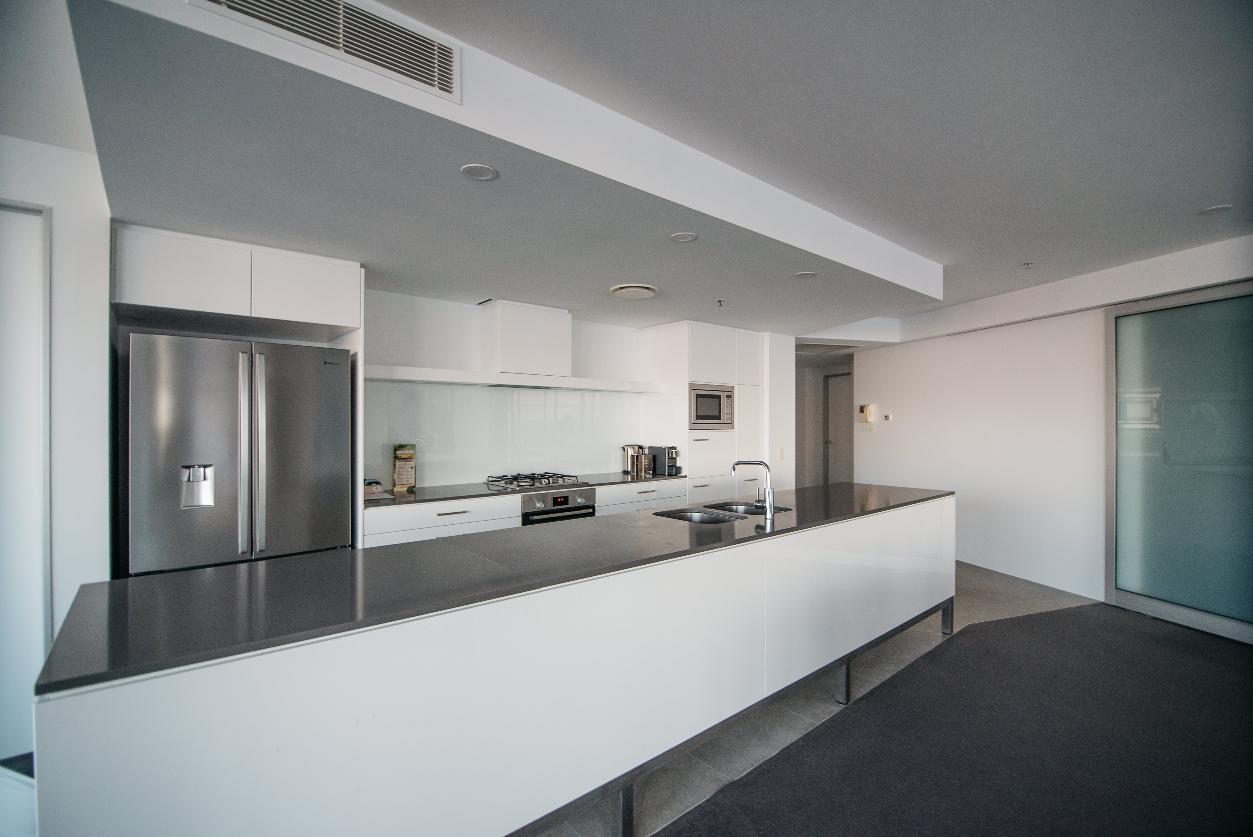 Q1 Resort & Spa Three Bedroom Sub Penthouse Apartment | Kitchen
