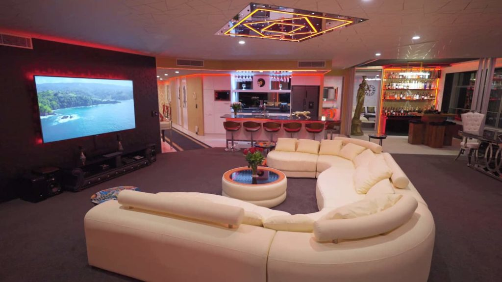 Two Bedroom Penthouse Apartment | Entertainment area