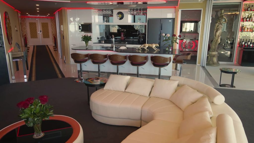 Two Bedroom Penthouse Apartment | entertainment and kitchen area